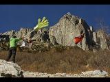 Австралийский бейсджампер совершил невероятное — в полете «дал пять» (World's First Wingsuit High Five)
