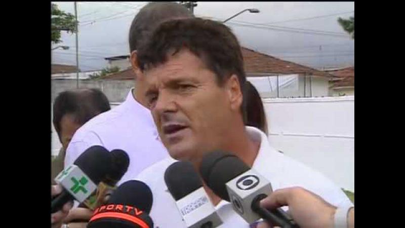 Em 2000, técnico Jair Picerni estapeia repórter no último treino do São Caetano