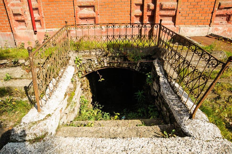 Кушва. Вход в подземелья под домом купца Никитина