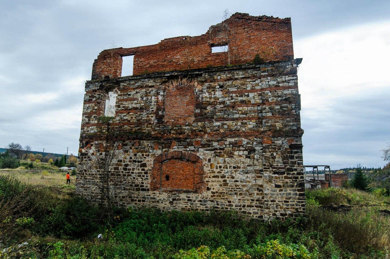Руины коксового завода