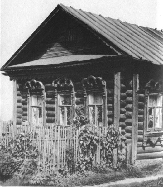 Село Яковлевское. Образцы наличников стиля модерн (дом № 130)