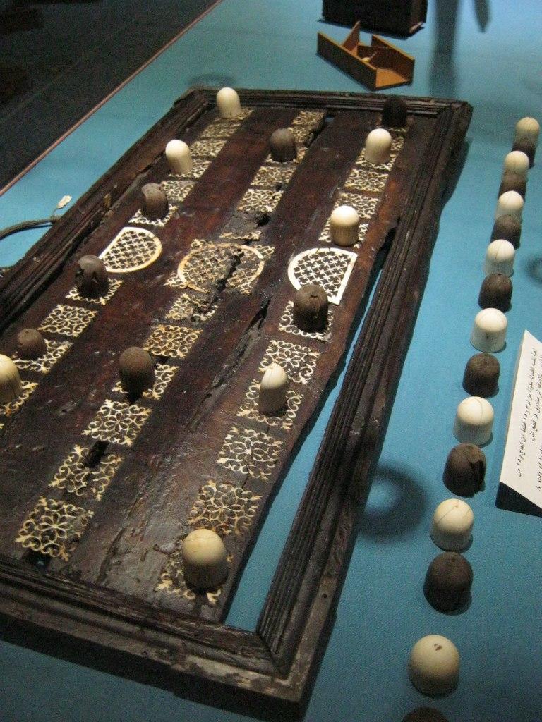 Традиционная настольная игра в Нубийском музее