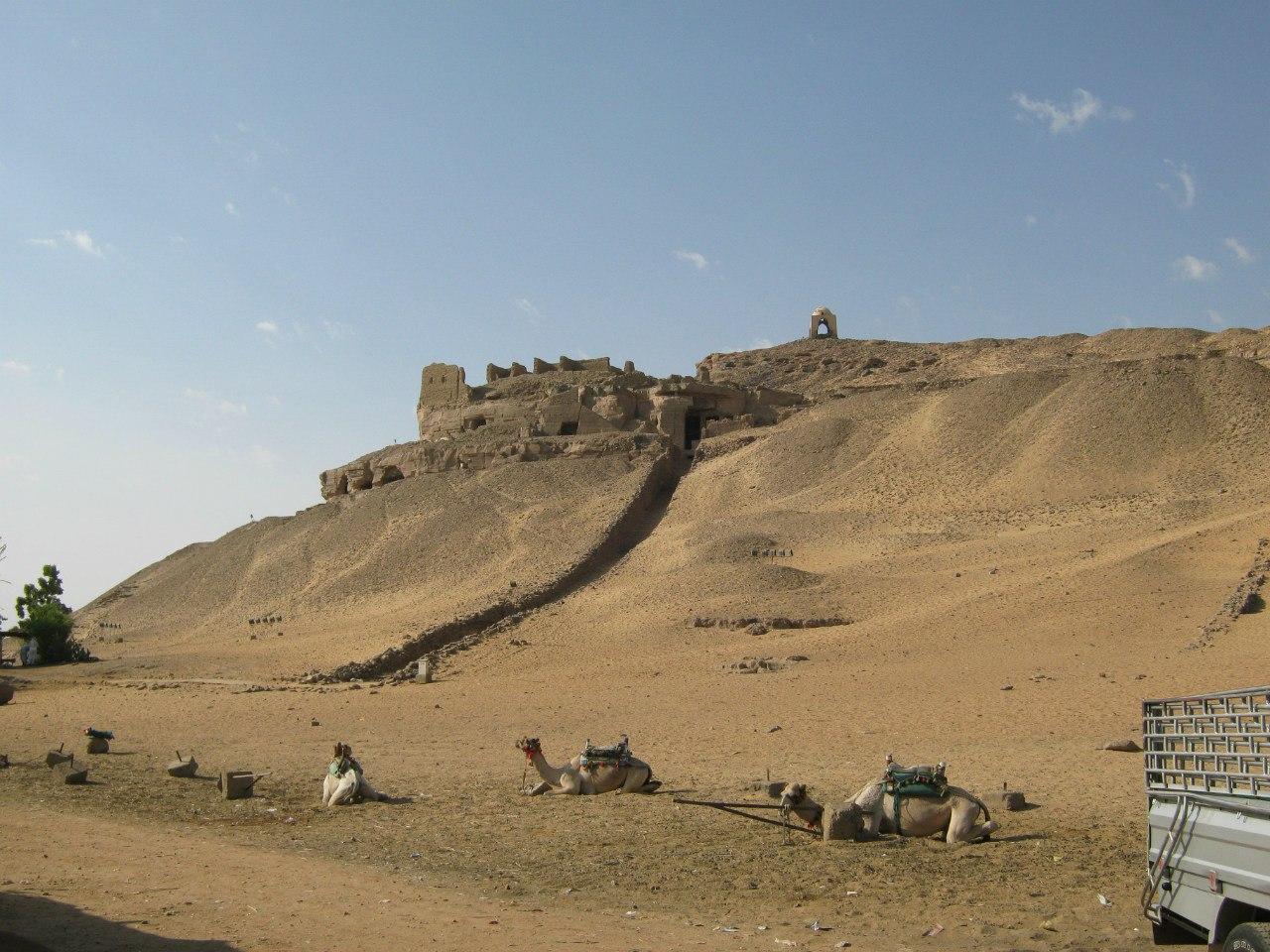гробницы на западном берегу Асуана
