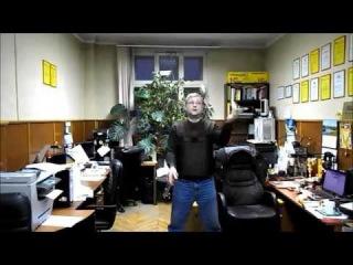 Нестандартный жонглерский реквизит - резиновая дубинка и метательный нож