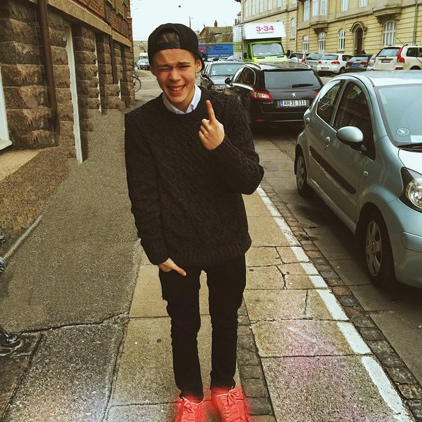 Benjamin lasnier updated his profile picture