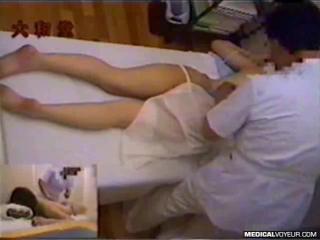 erotika-skritaya-kamera-u-doktora