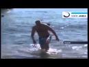 Убил акулу жопой на курорте