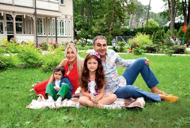 40TqNkrqmAU - Семейные фотографии резидентов Comedy Club