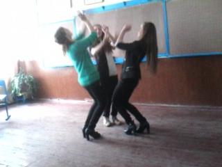 Складаємо танець на Випускний)