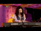 Marina and the Diamonds - Obsessions (Live acoustic Isle Of Wight Festival + Intro 11062010)