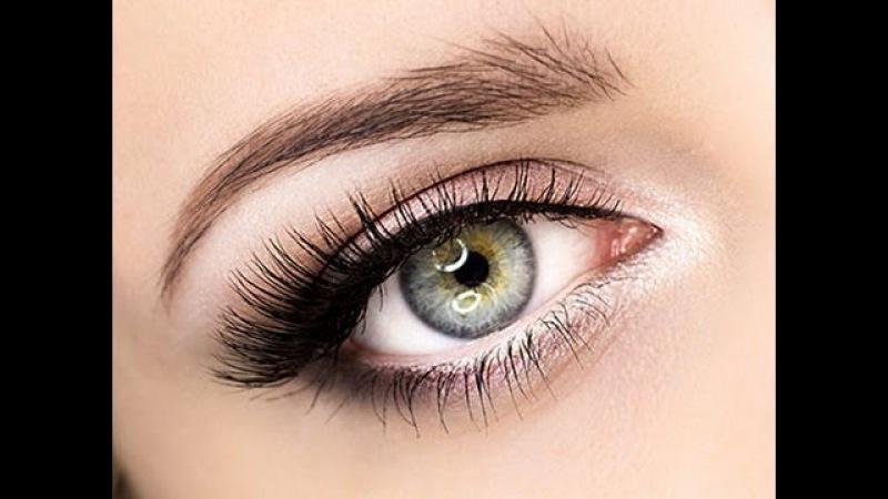 Как увеличить глаза с помощью классического макияжа (пошагово)