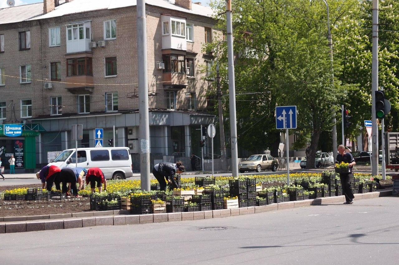 Благоустройство перекрестка бульвара Шевченко и проспекта Шахтостроителей
