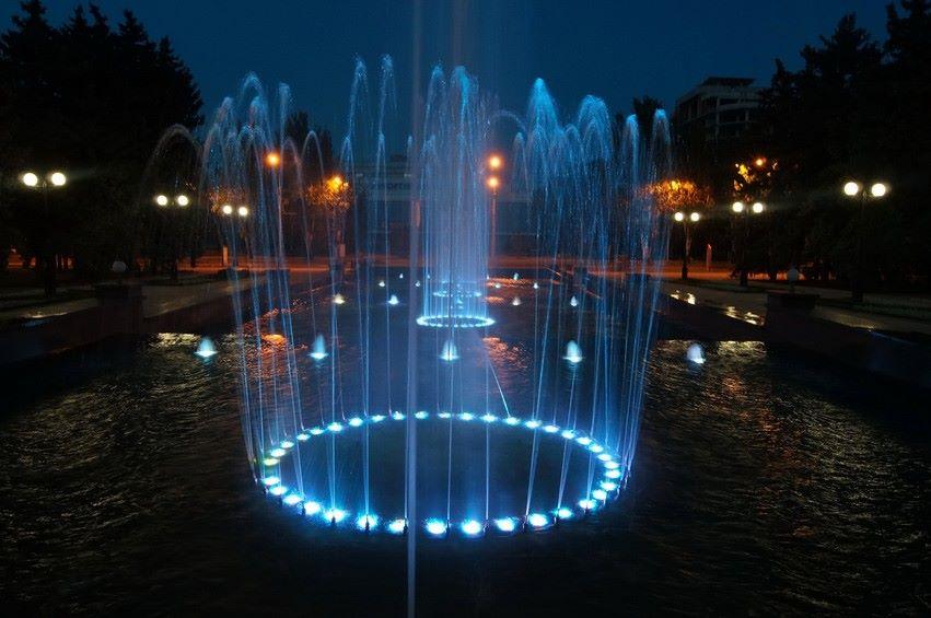 Ночной фонтан в Донецке