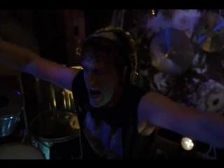Freaks and geeks - Ник играет на барабанах