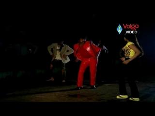 Индийская версия на клип Майкла Джексона с пляшущими трупами.
