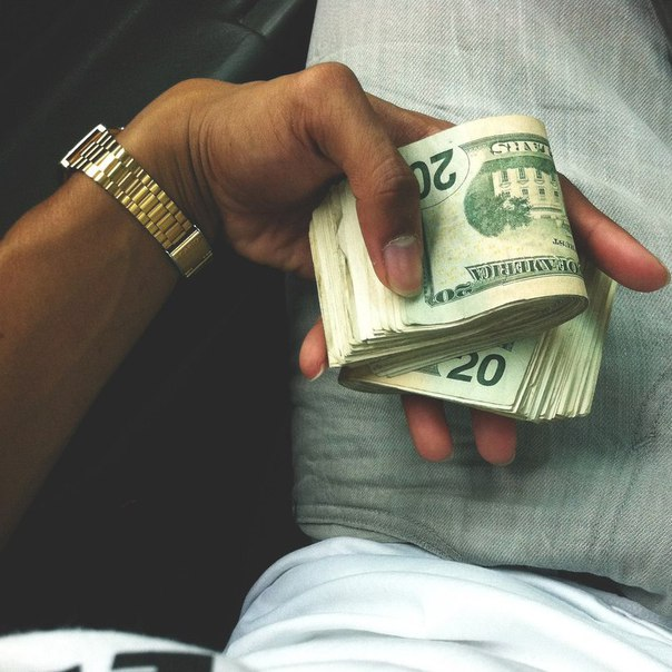 Законы приумножения денег 1. Начните пополнять свой кошелек Когда вы получаете заработанную плату или доход, вам необходимо сразу 30% денег оттуда отложить. Вы скажите: «мне и так не хватает денег», но если будете продолжать жить так как живете, у вас никогда их не будет, потому что человеку свойственно тратить все деньги, если он не контролирует их. Те деньги, которые вы получили – они не Ваши и Вы должны это понимать и осознавать. 2. Контролируйте свои расходы Необходимо завести тетрадку или…