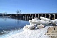 29 марта 2015 - Вид на закрытую водосливную плотину Жигулёвской ГЭС с Копылово
