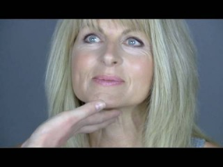 MAKE-UP TUTORIAL FOR MATURE WOMEN