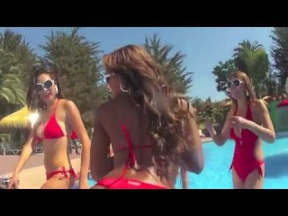 Hot Sexy College Girls Party in Bikini and Thongs - Dirty Dance