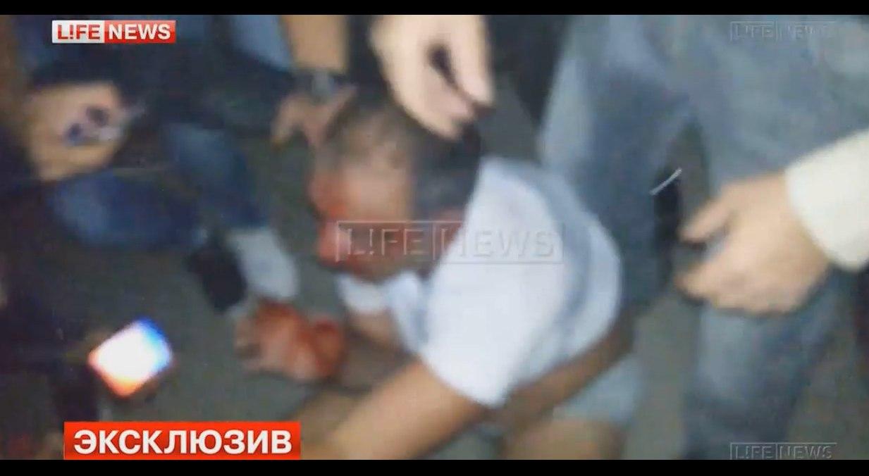 Под Таганрогом 300 человек устроили суд Линча над пьяным 24-летним виновником ДТП. ВИДЕО 18+