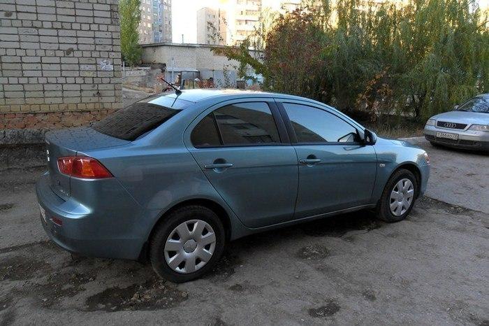 В Таганроге хуторянин угнал Mitsubishi Lancer и попал в аварию