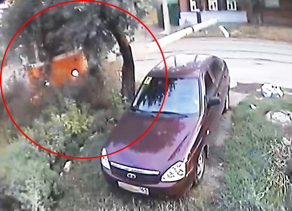 В Таганроге ДТП с трамваем №5 попало в объектив камеры видеонаблюдения