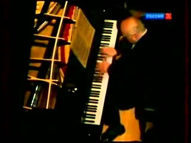 Richter plays Chopin - Étude Op. 10, No. 4 in C-sharp minor (1989 - live)