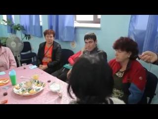 Беженцы из Горловки рассказали кто их бомбил. - Украинский журналист обосрался по полной.