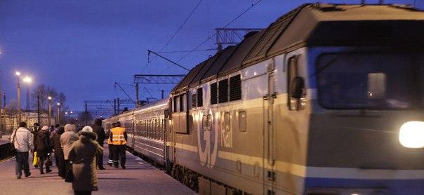 Пассажирский поезд Москва