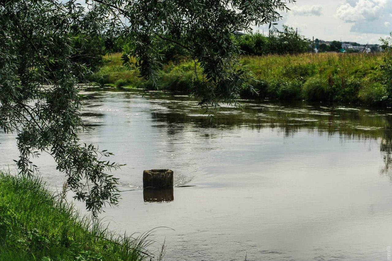 Старинная рассолоподъёмная скважина XVIII века в русле реки Усолка