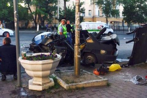 В Ростове-на-Дону на Буденновском в аварии с участием пьяного полицейского погибли 3 человека