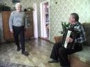 Дед танцует яблочко в 75 лет