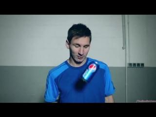 Реклама Пепси 2014 - Трюк Месси (Живи здесь и сейчас!)