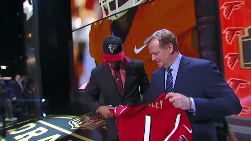 2015 NFL Draft Round 1: Atlanta Falcons pick linebacker Vic Beasley No. 8