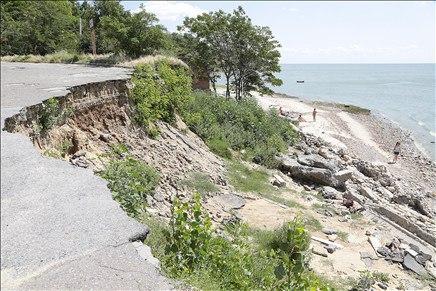 На родине Чехова впервые за 85 лет центральный городской пляж не подготовили к купальному сезону