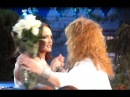Алла Пугачева танцует с Софией Ротару. Alla Pugacheva dancing with Sofia Rotaru
