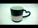 Чашка Хамелеон (Магическая чашка) черная керамическая матовая с ручкой полусердце