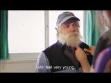 Джердан Шакири посетил тренировку переодевшись в пожилого мужчину .