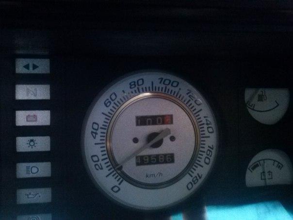 горит значок инжектора: