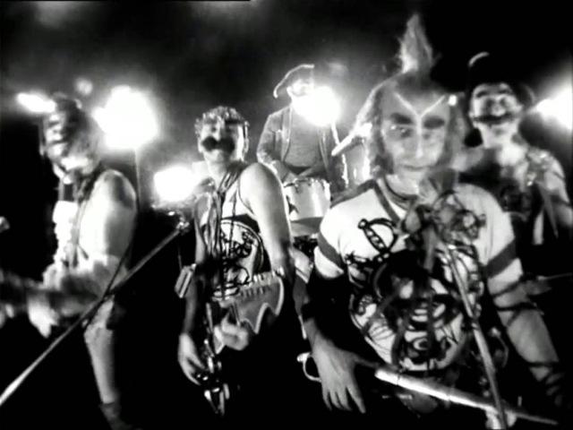 8 Мы все участники регаты группа Гротеск и ВИА Фестиваль Остров сокровищ 1988г 720p
