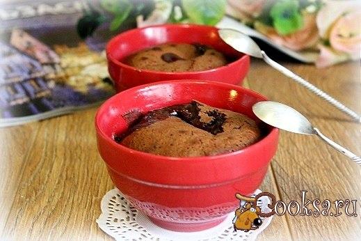 Шоколадный фондан в мультипечи Вкуснейший шоколадный десерт! Нежная корочка и жидкая шоколадная серединка...