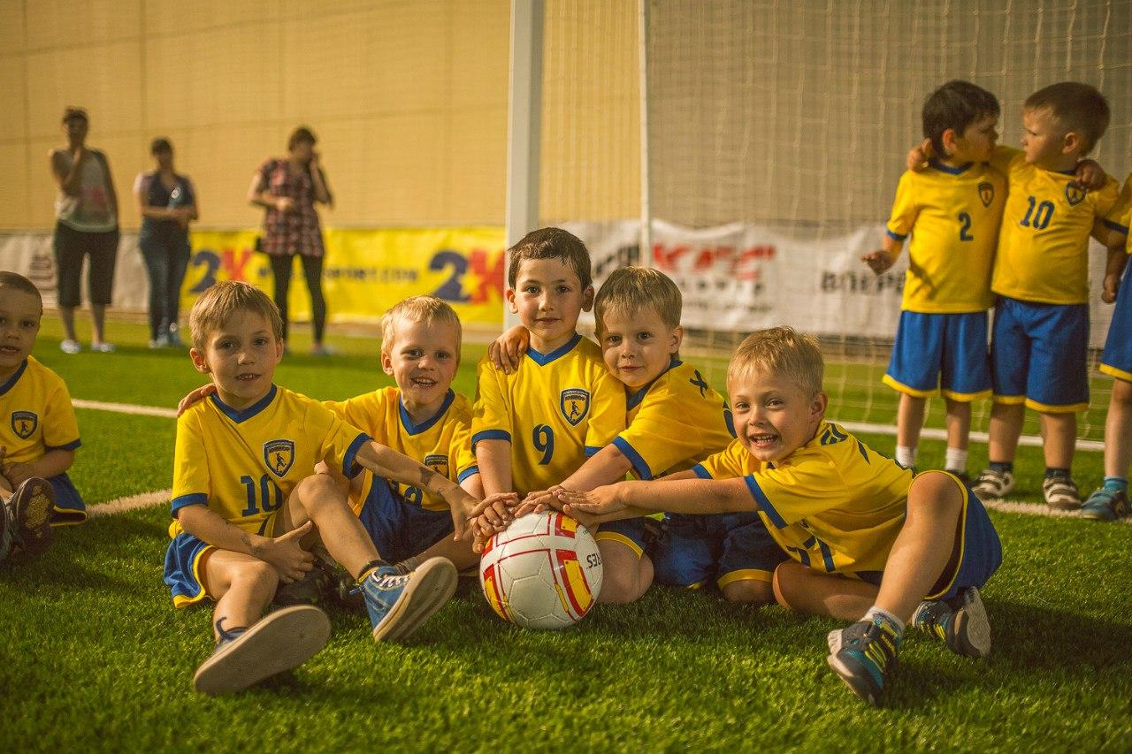 Играть футбол для детей от 3 лет