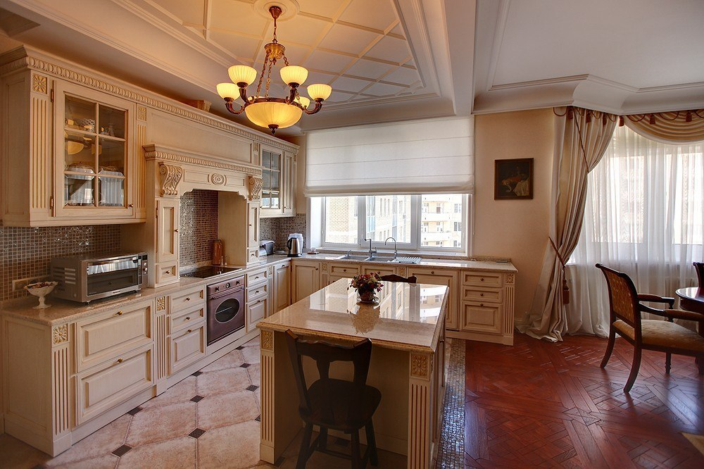 Классический дизайн кухни совмещенной с гостиной фото