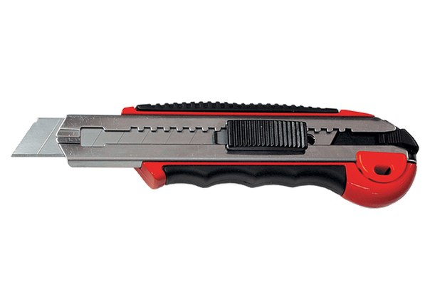 Нож, 18 мм, выдвижное лезвие, метал. направляющая, обрезиненная ручка + 5 лезвий   MATRIX