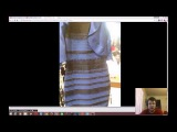 Какого цвета это платье? Синие с черным или белое с золотым?