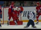 Мурыгин ловушкой справляется с щелчком Мозякина / Murygin's perfect glove save on Mozyakin