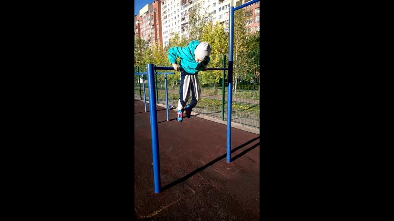 Плешаков Захар возраст 6 лет(2009г.р.) вес 28кг,подъём с переворотом 10 раз