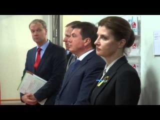 Жена Порошенко пукнула на официальном приёме,немцы в шоке))