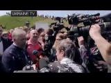 Симоненка облили кефіром – дісталося журналісту каналу «Россия» 1 травня 2015