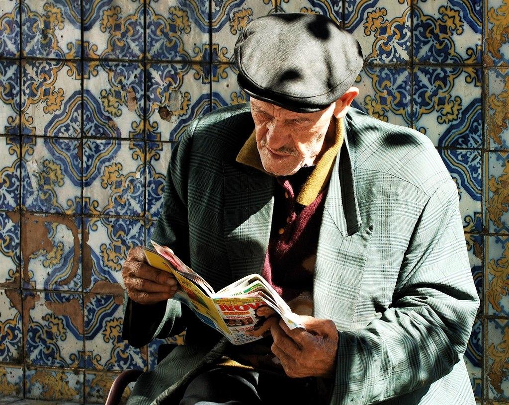 Больше всего на свете мне хотелось бы бессмертия, чтобы читать.